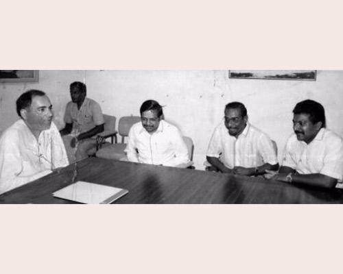 Rajiv Gandhi with LTTE chief Prabhakaran & LTTE ideologue Anton Balasingham