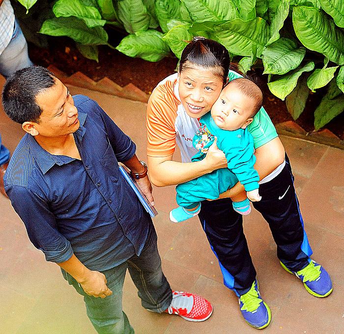 mary kom with family
