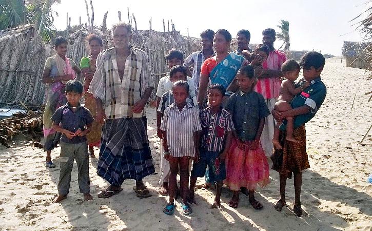 Mookupori and kids in dhanush kodi