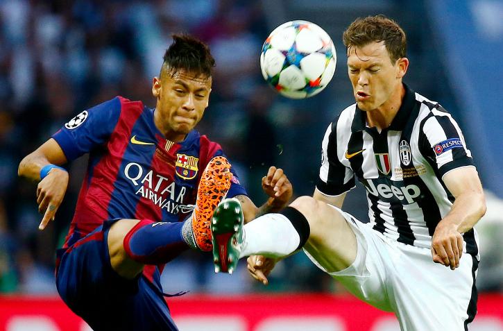 Neymar vs Stephan Lichtsteiner in UCL finals