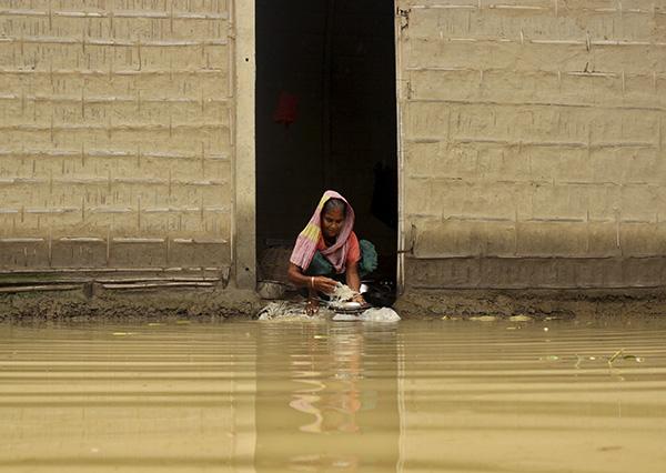 Women in assam floods