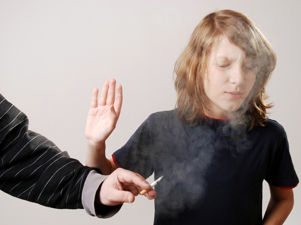 Parental Smoking Puts Kids At Risk For Heart Attacks In Adulthood