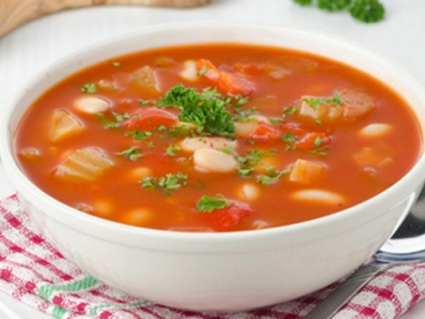 Healthy Soup: Tomato, Basil And Bean Soup