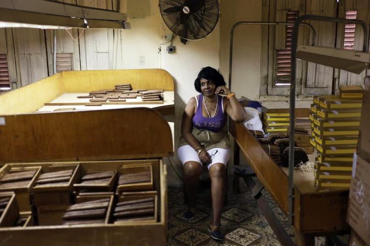 Working women Cuba