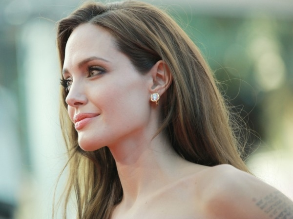 Angelina Jolie Chooses Menopause At 39 By Removing Her Fallopian Tubes And Ovaries