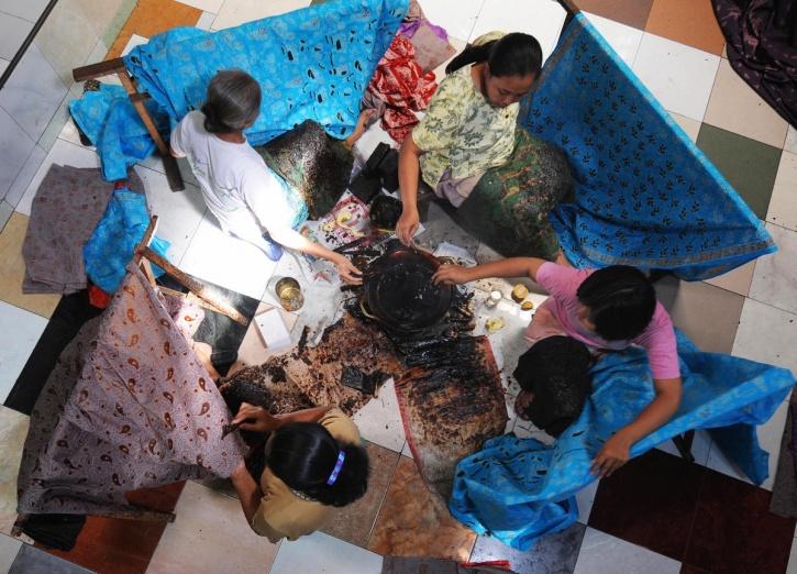 working women Indonesia