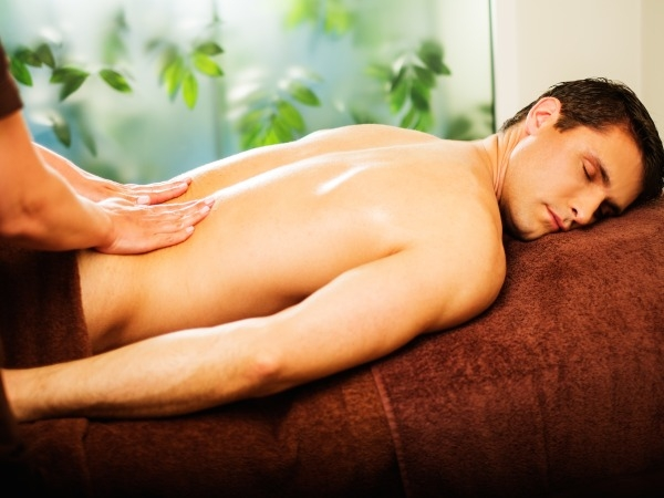 De-Stress With Aromatherapy Massage