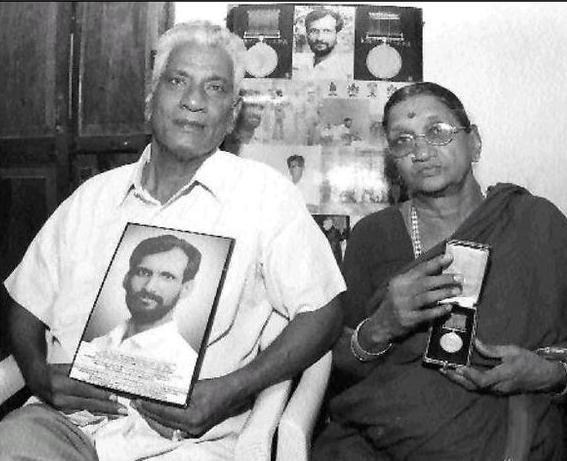 narendra kumar parents