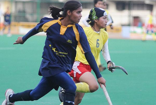 Vandana Katara (left)