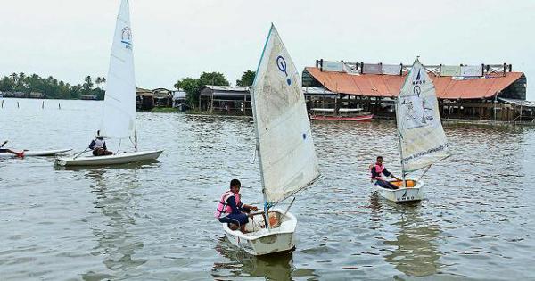 Alappuzha sailing