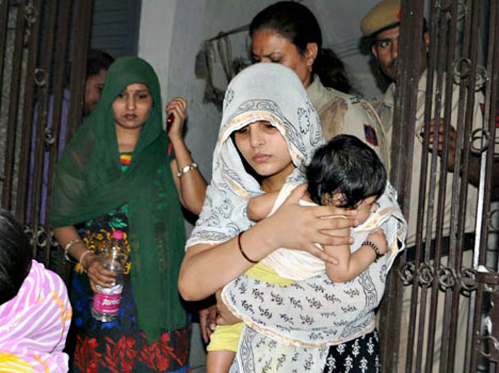 family locked inside their house by SDMC- Amar Ujala