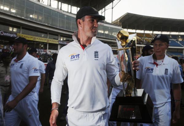 Kevin Pietersen celebrating series win against India