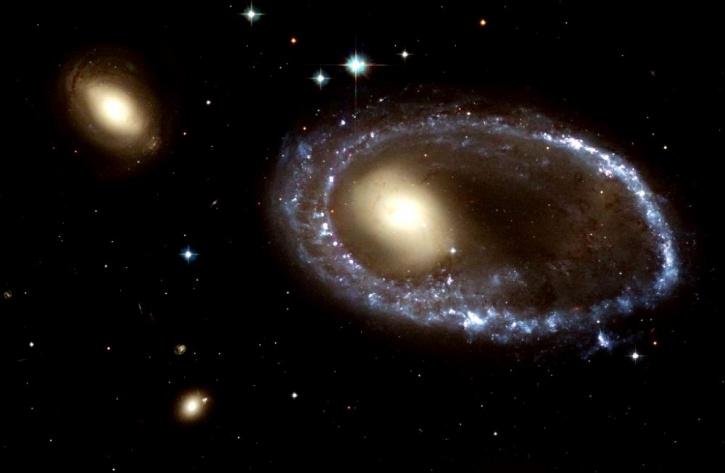 Ring galaxy AM 06441-741