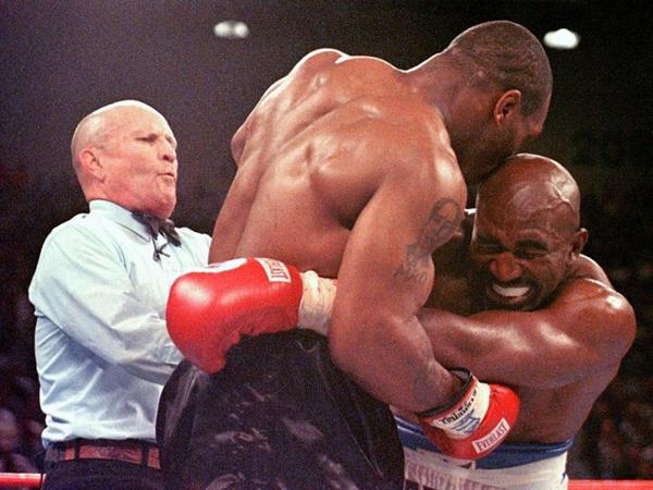 Mike Tyson bites Holyfield
