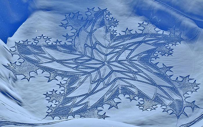 Dragon mural in Siberia
