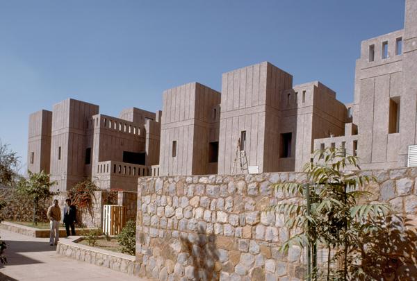 Asiad Village near Ansal Plaza