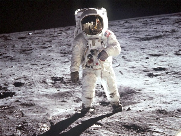 NASA is hiring astronauts