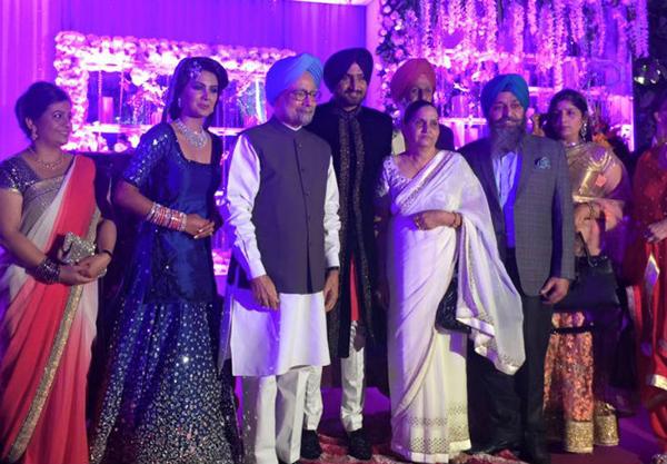 Manmohan Singh with Harbhajan and family