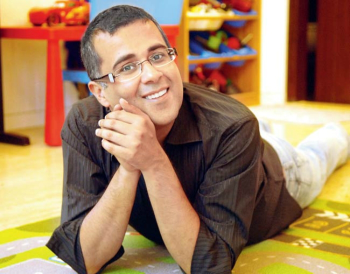 After Being Branded A Pseudo-Intellectual, Chetan Bhagat Now Decodes The Indian Liberals For Us