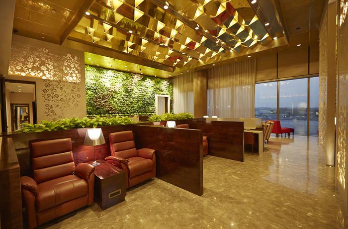 mumbai lounge cst airport