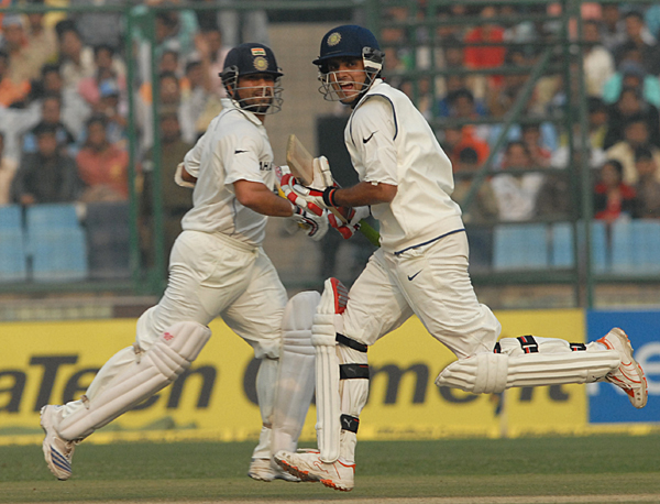 Ganguly and Sachin running between the wickets
