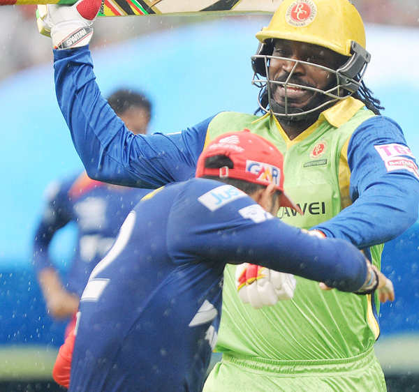 Gayle playing fun and games with Yuvraj Singh