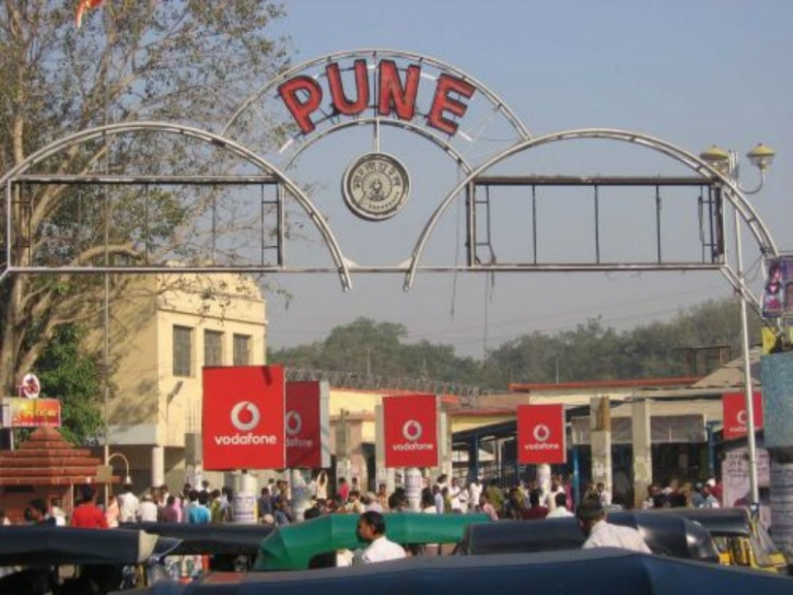 Police In Pune Goes Out Of The Way
