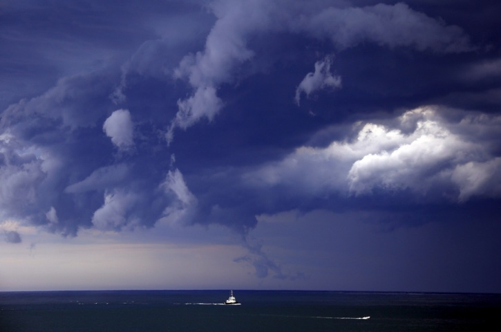 Tsunami Cloud Roll