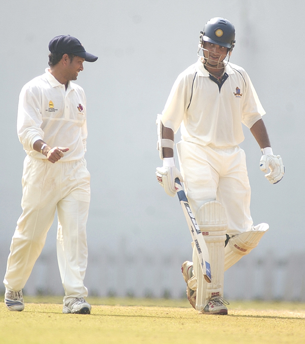 Sachin talking to Ganguly in a domestic game