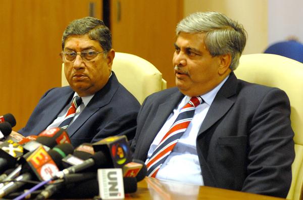 Srinivasan with Shashank Manohar (right)