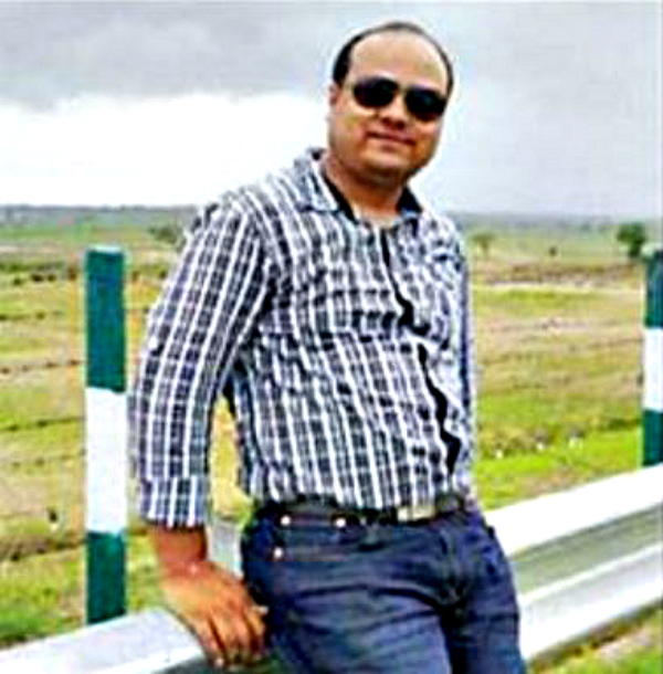 A Great Career AWaited Him In Germany, But This UP Techie Stayed Back To Develop His Village