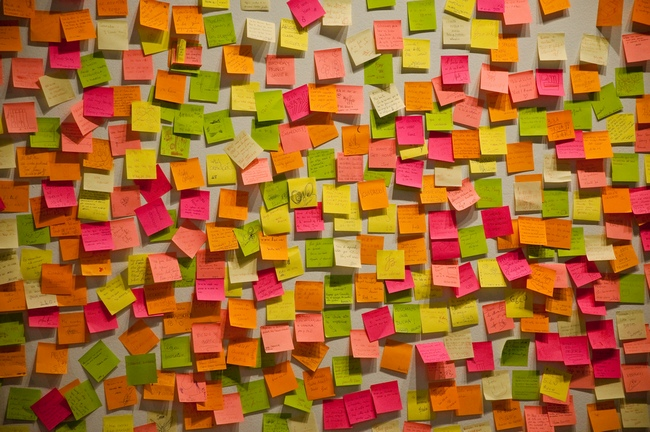 coloured post its