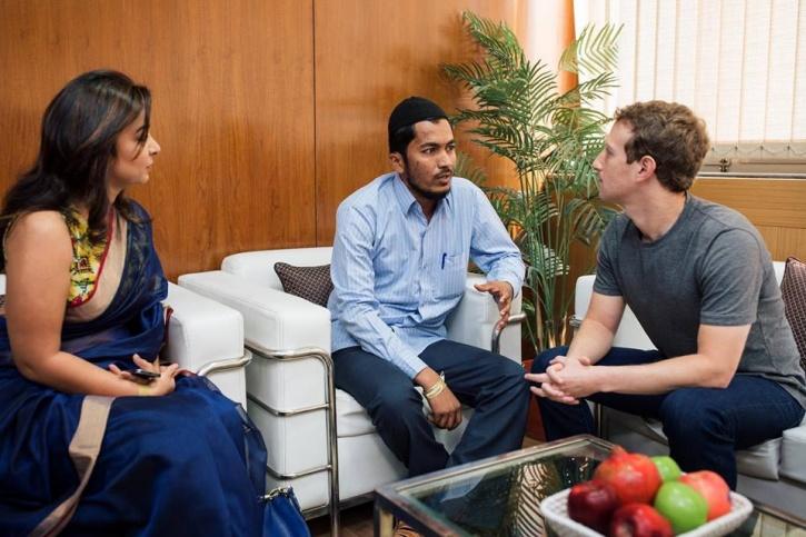 Mark Zuckerberg meets Aasif Mujawar at IIT Delhi