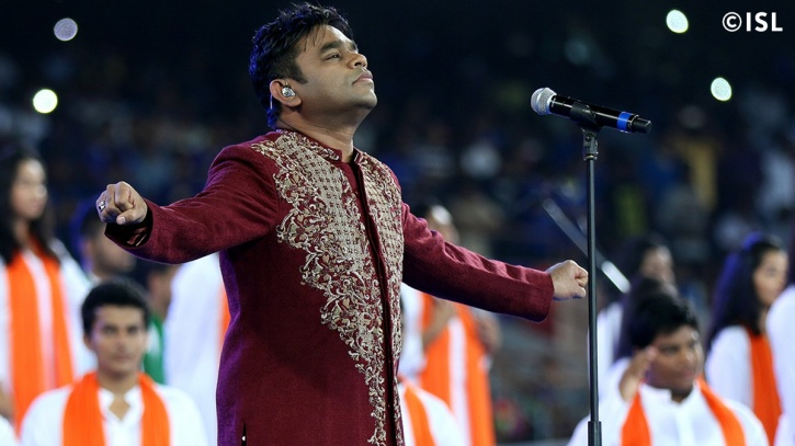 AR Rehman performing at the 2015 ISL opening ceremony