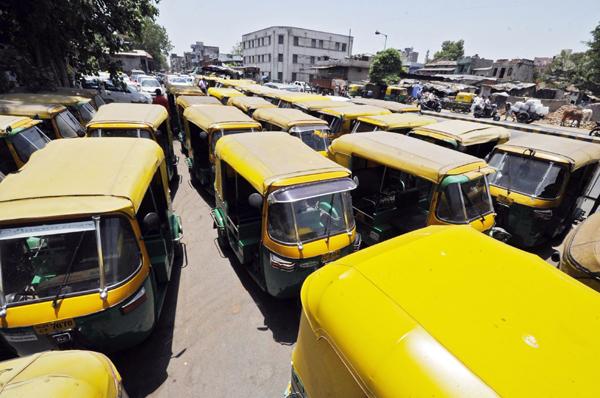 auto rickshaws on the road
