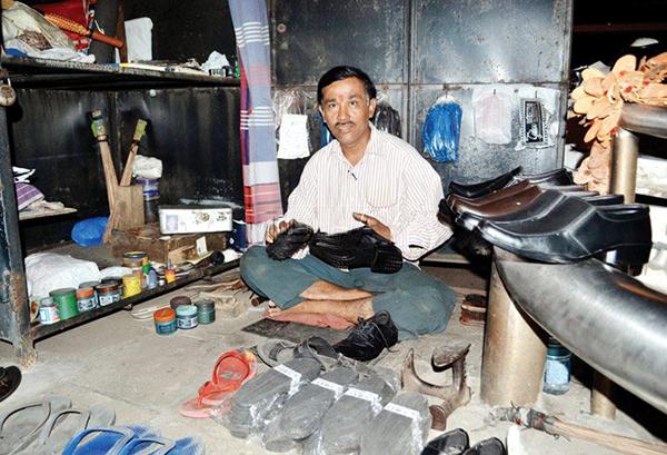 Mangesh at his shop