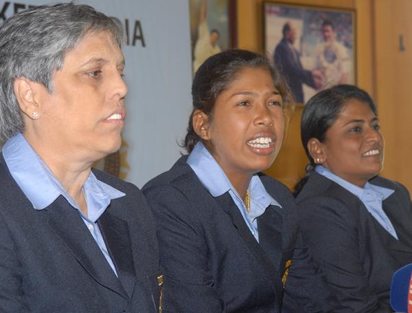 Diana Edulji (left)