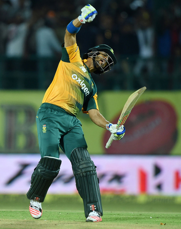 Duminy celebrates after taking South Africa to a win