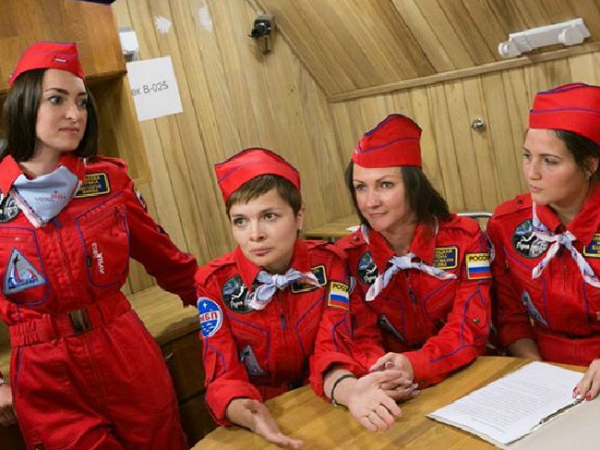 Russia women space crew