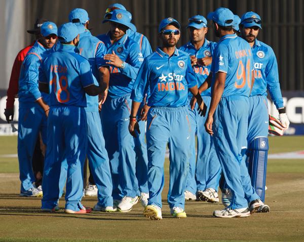 India celebrate series win in Zimbabwe