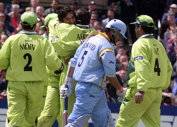 India Pakistan playing in the 1999 World Cuo