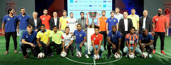 ISL captains with coaches