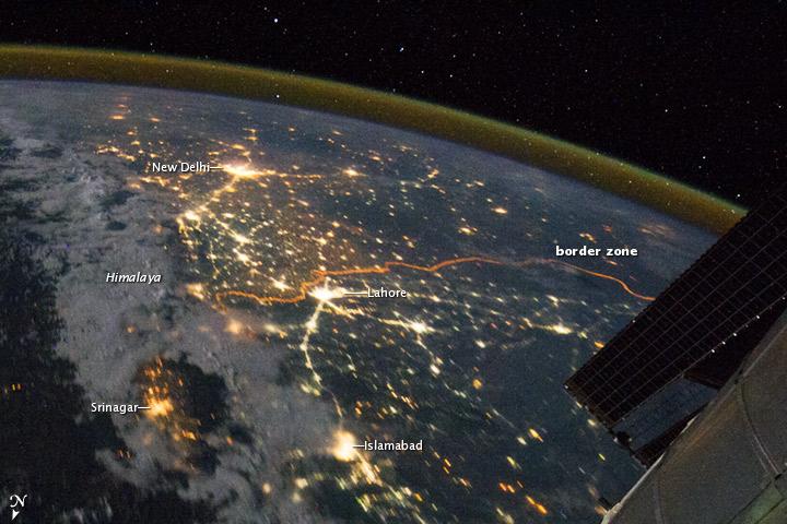 NASA Takes a stunning pic of India Pakistan border