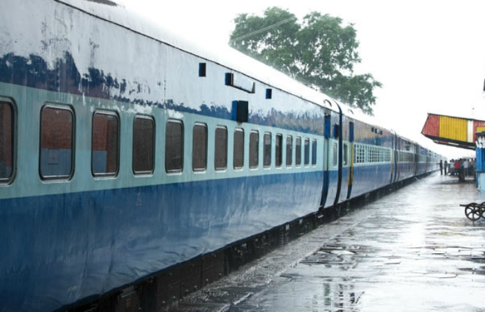 Woman Jumps Off A Moving Train With 10-Month-Old Baby, Husband To Escape Drunk Molesters