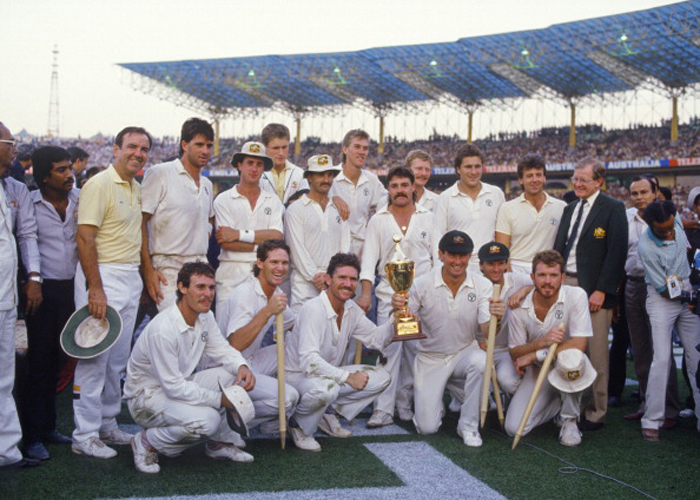 Australian team with the 1987 World Cup trophy
