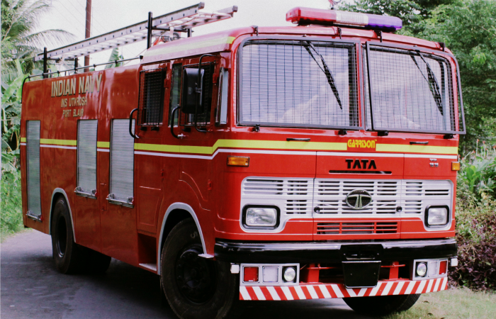 With no water for fire tender, 3 charred to death