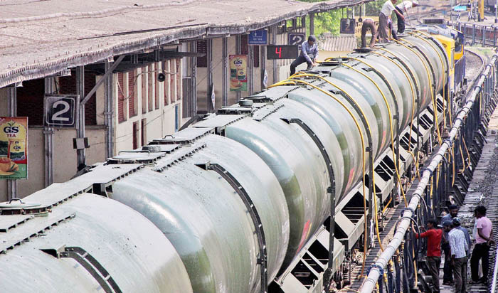 Train Takes 5 Lakh Litres Of Water To Drought Stricken Latur And Saves Lives AP