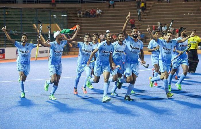 Indian hockey team celebrates
