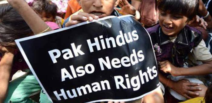 Pakistani Hindus May Get Indian Citizenship For As Low As Rs.100!