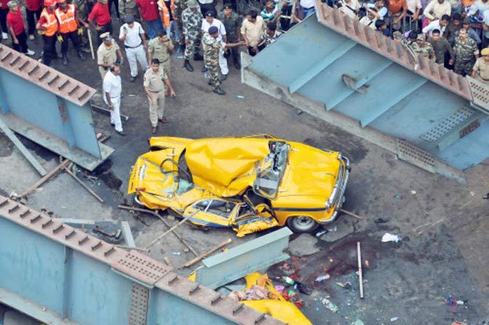 Cabbie Dies Pleading,